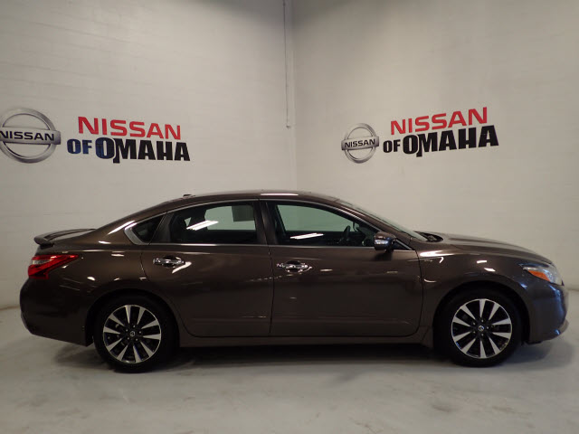 Pre Owned 2016 Nissan Altima 2 5 Sl