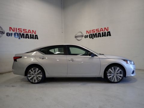 New 2020 Nissan Altima 2.5 SV FWD 4D Sedan