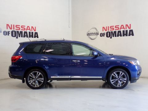 Pre-Owned 2018 Nissan Pathfinder Platinum With Navigation & 4WD