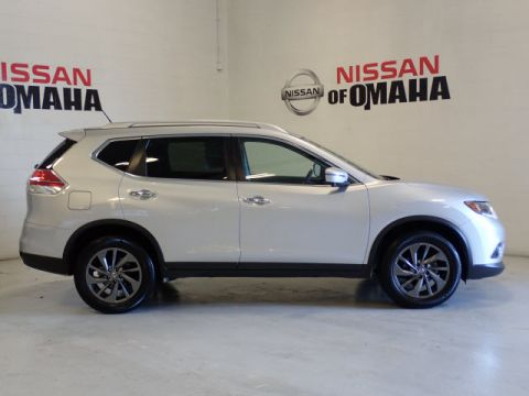 Pre-Owned 2016 Nissan Rogue SL With Navigation & AWD